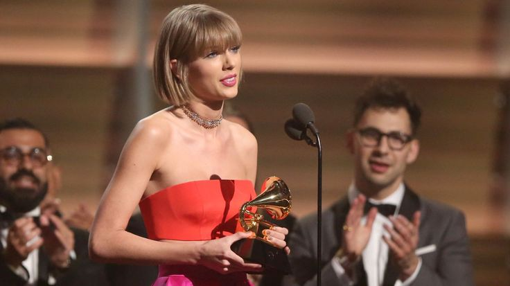 Taylor Swift Inserts Kanye West Dig in Cutting Grammy Acceptance Speech #headphones #music #headphones