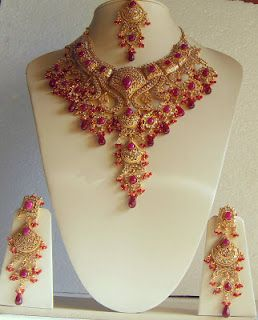 Latest Pakistani Indians & Arabic mehndi design jewelry & dresses Fashions 2012 2013 2014: Latest Indian bridal Gold jewelry sets fancy designs