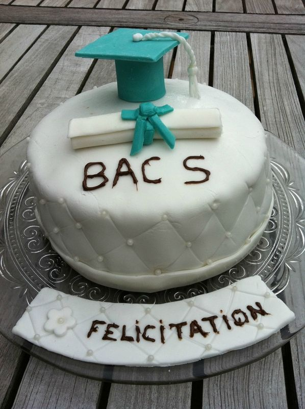 Un joli gâteau pour un jeune bâchelier !