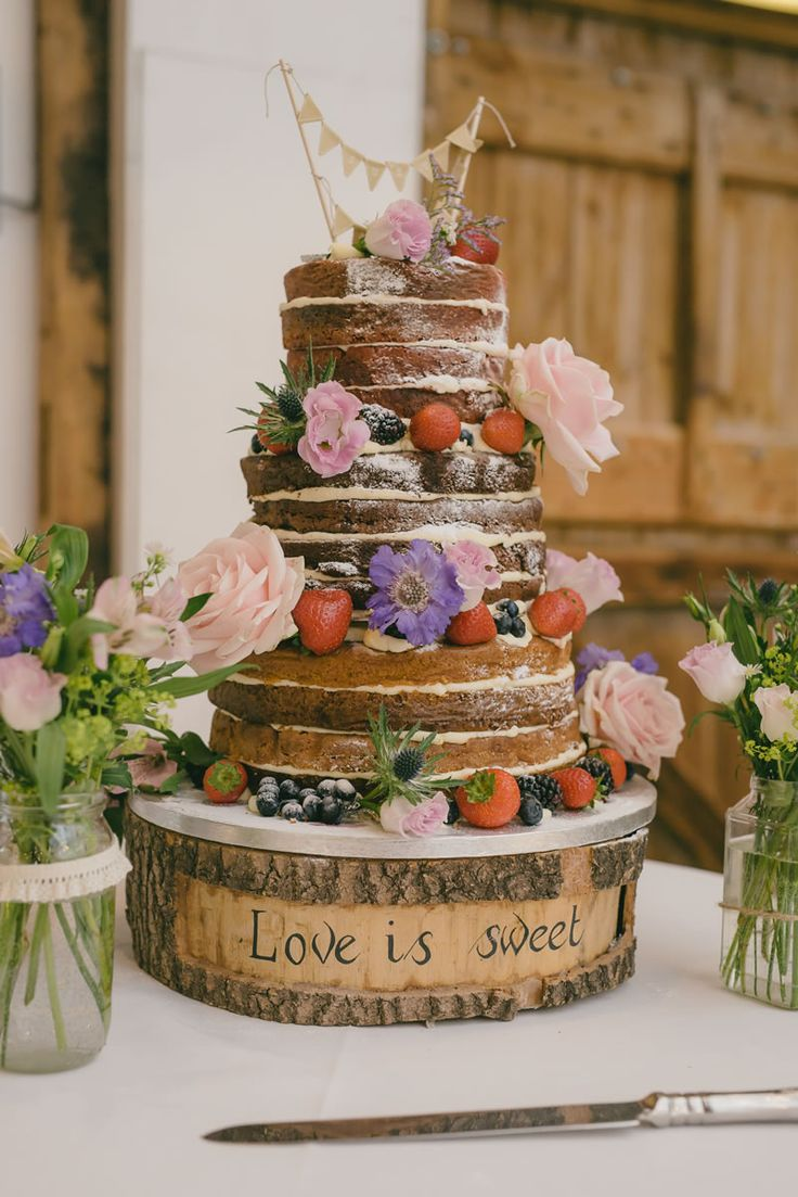 10 of the best alternative wedding cakes © riamishaal.com