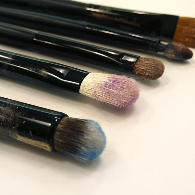 Clean your brushes often and thoroughly to avoid infections and make them last longer. Use warm water and a gentle soap bar, or a mild gel cleanser. #radiantprofessional #makeupbrushes #makeuptools #beautytips #makeup