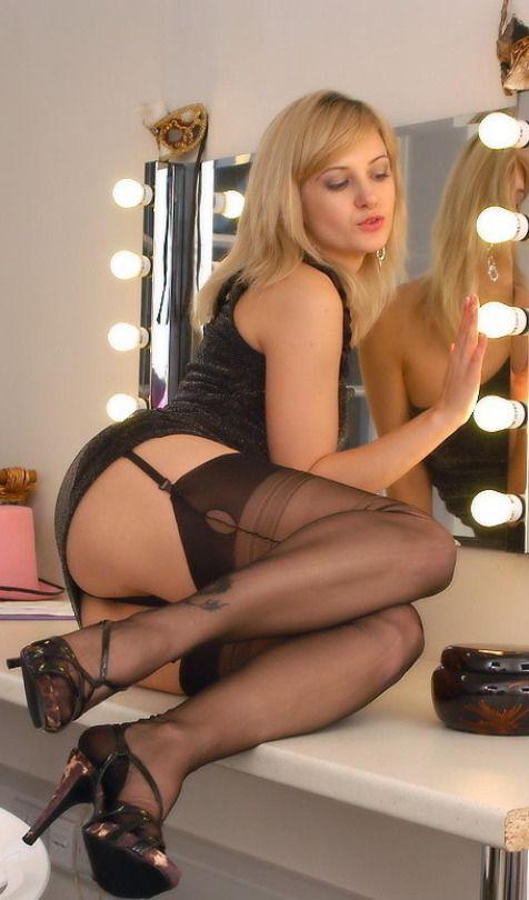 Sexy Garter Belt Legs Stocking Pics 114