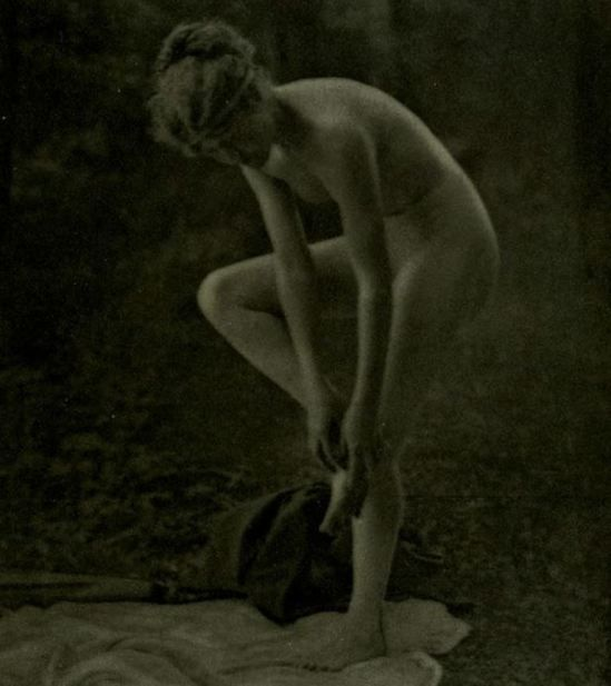 Louis J. Steele. Nude 1918.