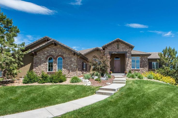 Extraordinary Property of the Day: Ranch-style residence with golf course and mountain views in Parker, CO