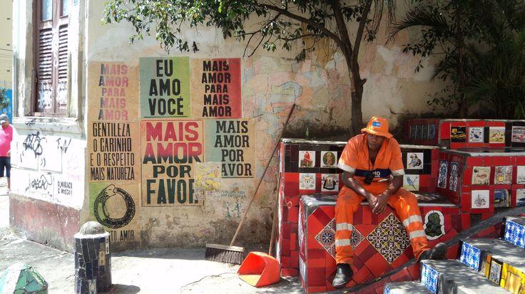 """""""Mais amor para mais amor"""" Escadaria Selaron, Rio de Janeiro."""