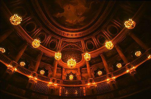 Castelo de Versailles, interior da Opera Royale do castelo. Jacqueline Poggi no Flickr