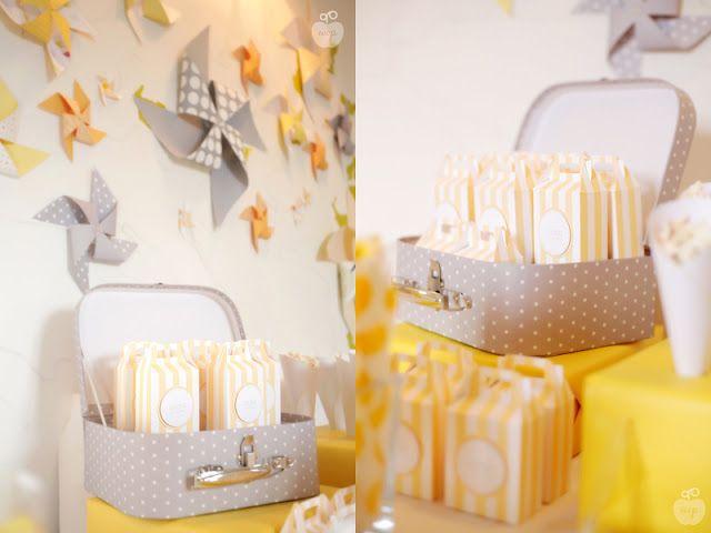 Le Candy Bar | Kit Anniversaire Décoration Sweet table: Sweet table Baptême - jaune et gris