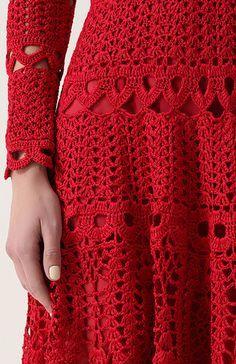 Cardeal Vermelho. vestido de crochê por Oscar de la Renta