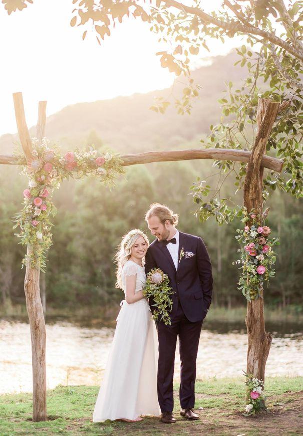simple but pretty diy rustic wedding arch ideas