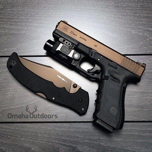 Glock 22 Gen4 with a Viridian X5L.