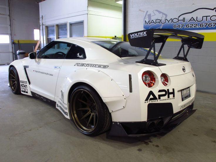 2010 Nissan GTR White