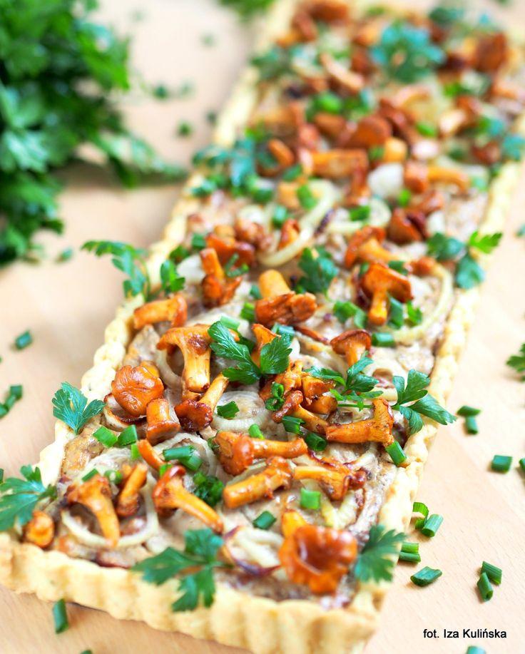 Smaczna Pyza: Obiad. Z grzybami. Tarta z nadzieniem serowym i kurkami