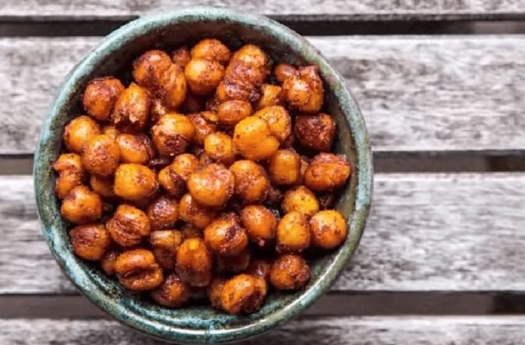Fried Garbanzo Beans  This Healthy, 5-Minute  Snack Will Make You  Forget All About Popcorn