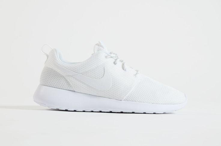 Nike - Roshe One Women (White/ White)