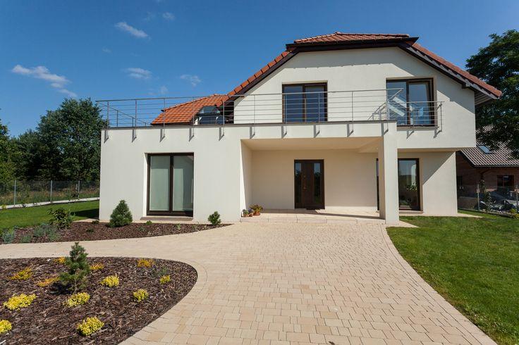Een nieuw geverfd huis met een buitenmuurverf geeft een prachtig resultaat. Gaat u ook uw huis schilderen? Laat u dan goed informeren over de mogelijkheden met buitenmuurverf.