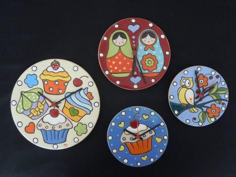 ceramica come mestiere: Cupcakes, matrioska e gufo per originali orologi i...