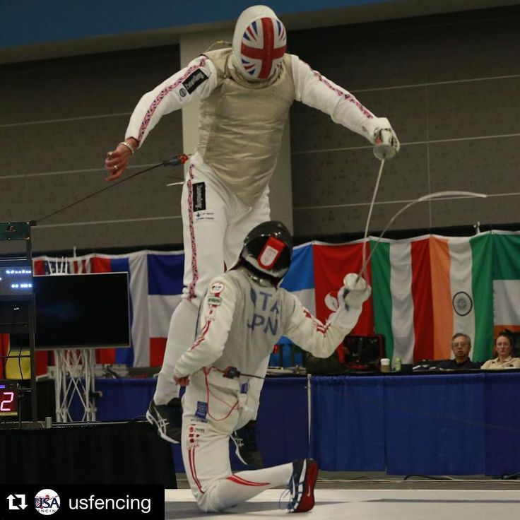 Air time in the semis of the #SJWorldCup between James Davis (GBR) and Yuki Ota (JPN). Photo Credit: Serge Timacheff / FencingPhotos.com #fencing #roadtorio by fencing_fie