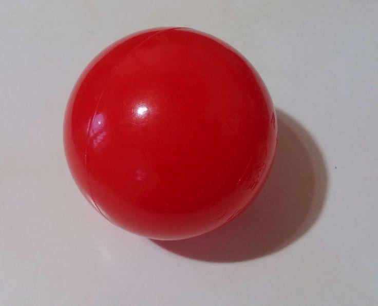 kırmızı top Çocuklar için kırmızı renkli plastik top modeline bakmaktasınız.