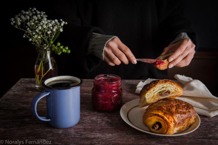 Dark Mood, Croissant, Jam