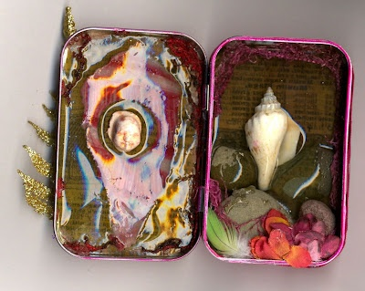 another art therapy thing: your happy place in an altoid box.. this one is especially awesome