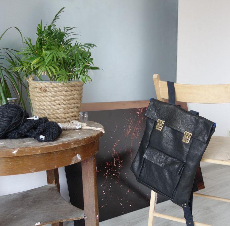 Черный рюкзак из жатой кожи basic one в магазине «basicskin» на Ламбада-маркете