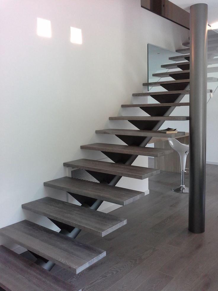 Scala con tubolare centrale scale per interni di ns realizzazione pinterest - Scale per interni catania ...