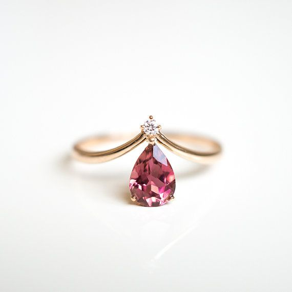 Solid 18k gold V shape pink tourmaline diamond ring by LILOOKS