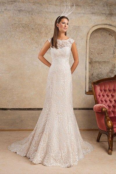 Zmysłowa, pięknie podkreślająca kształty suknia ślubna projektantów               FULARA & ŻYWCZYK  www.fularazywczyk.pl   #suknie ślubne #ślub #cappuccino