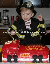 Fire Truck Cake Ha ha ha I thought of two little boys when i seen this cake❤