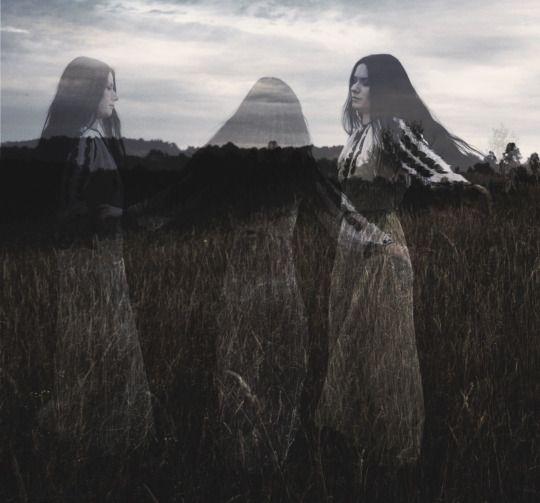 Mór-ríoghain - Laura P.