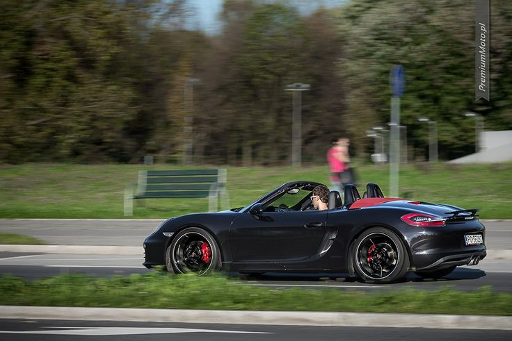 Porsche Boxster S (981) in jet black metallic with optional 20-inch Carrera S wheels looking smooth in motion. #porsche #boxster #motion More pics @premiumMoto.pl