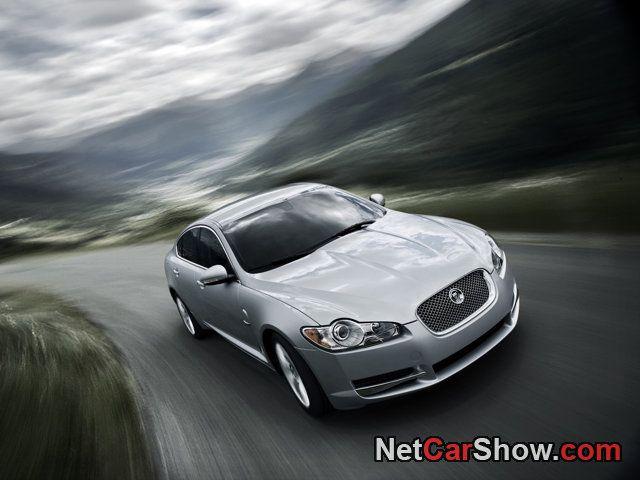 Jaguar XF (2010)