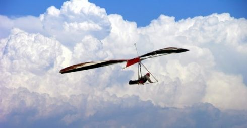 Hang Gliding - Hang gliding and powered hang gliding flight training centre. Experience the best of powered and unpowered flight. Scenic beach introductory flights and hourly lessons. Fly with six times SA Hang...
