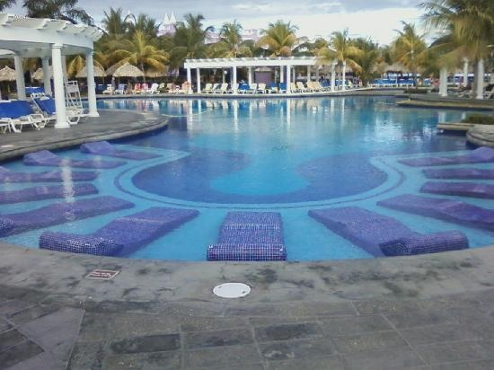 built in chairs in pool 90 best livingston pool  cabanas  hammock images on pinterest      rh   pinterest