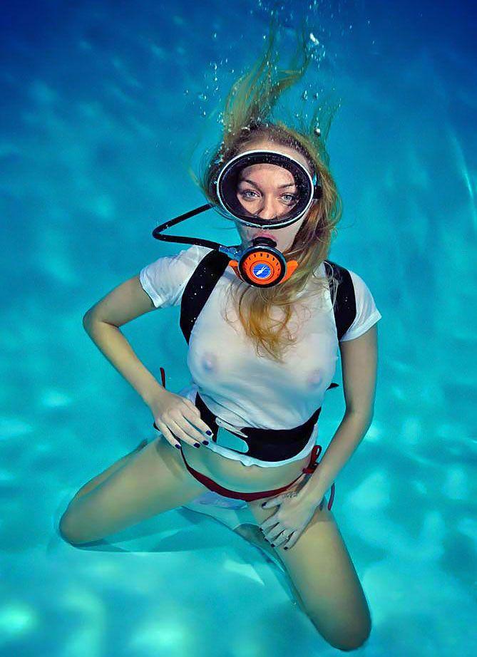 Jenni's absolute Diver sex video