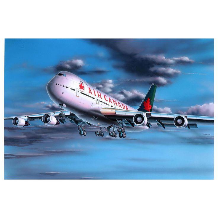 Maak een levensecht Boeing 747-200 vliegtuig op schaal na met deze modelbouwset van Revell. De modelbouwset bestaat uit 60 onderdelen op schaal 1:390. Moeilijkheidsgraad 3 sterren. Exclusief verf en lijm. Afmeting: verpakking 20 x 13 x 3 cm - Revell Boeing 747-200