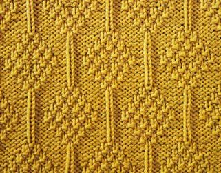 Moss Diamonds Stitch: knit, purl, edge stitch ... PATTERN: 28 rows ... STITCH NUMBER: multiple of 14 + 1 + 2 edge stitches ... DIFFICULTY: medium