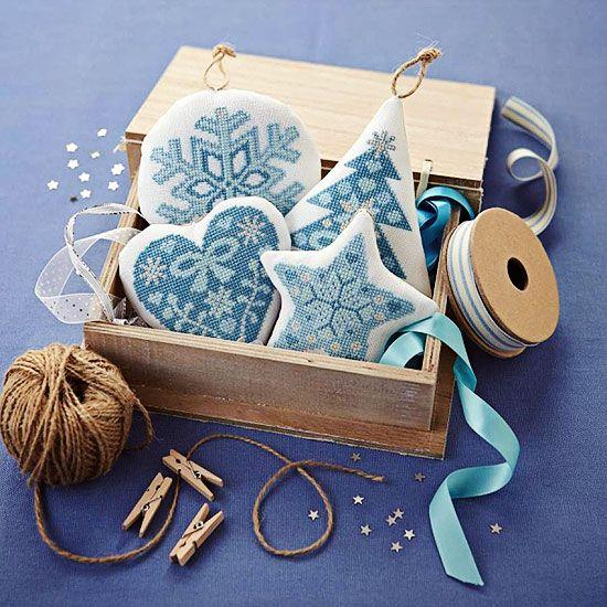 Рождественская голубая вышивка. Обсуждение на LiveInternet - Российский Сервис Онлайн-Дневников