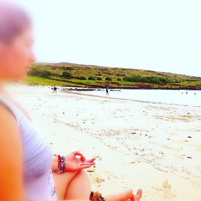 Brazaletes piedras naturales. #yoga #yantra_jewelry #playa