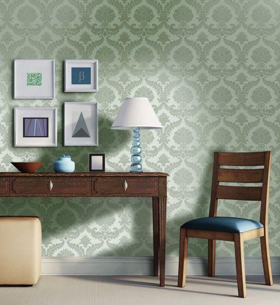 Barock-Muster und farblich passende Unis bietet die Kollektion Tradionale von Rasch Textil.