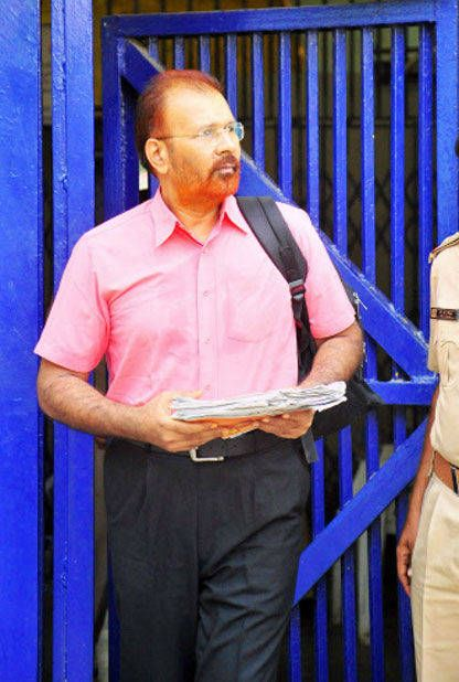 The Gujarat government has rejected jailed DIG DG Vanzara's resignation from the Indian Police Service.