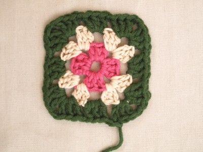 crocheted granny quare pattern