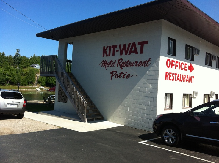 Kit-Wat Motel in Sauble Beach. 2 minute walk to the North Beach. Right on Sauble River. http://www.kit-wat.com
