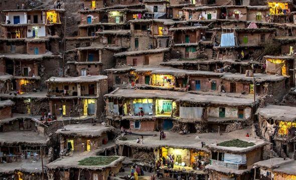 Pueblo de las montañas, en Irán