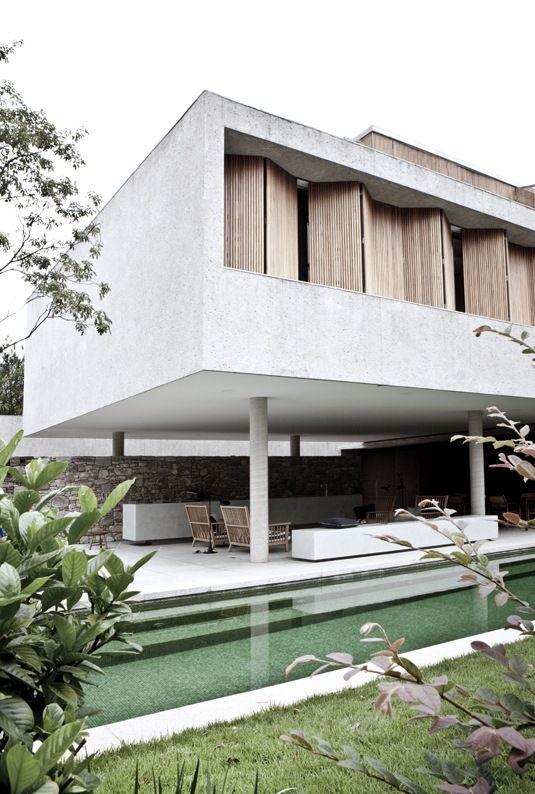 villa in the Sao Paulo for Elle Decor, designed by architect Marcio Kogan