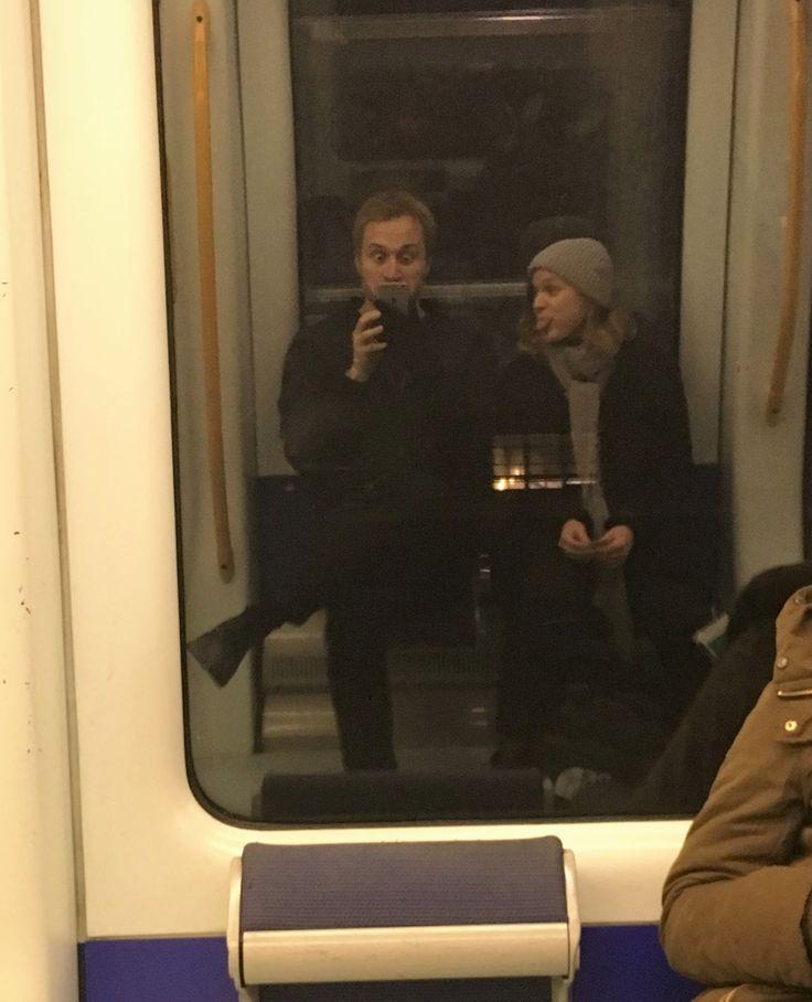 November 2016. Med metroen på vej til Mortens aften.