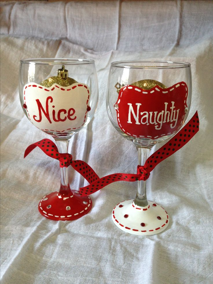 25 best ideas about christmas wine glasses on pinterest for Hand painted wine glass christmas designs