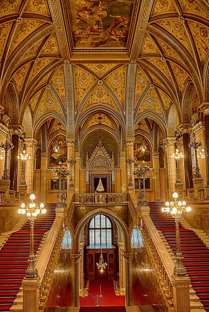 How gorgeous is the Hungarian Parliament Building!! We might even get into politics if we get to work here!!