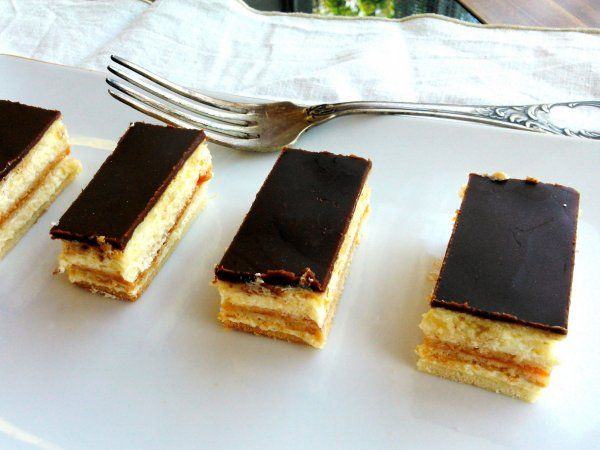Mézes krémes - hungarian dessert with honey
