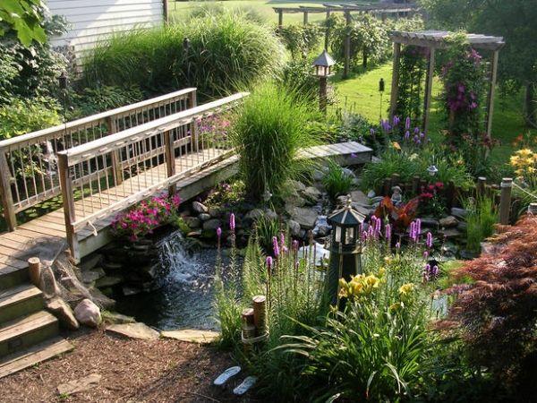 Gartengestaltung Holzbrücke Solarlampe-Teich Bau